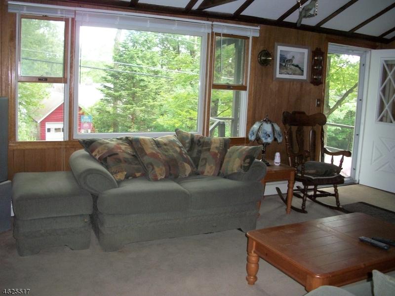 Additional photo for property listing at 1080 Lakeside Dr E  Highland Lakes, Нью-Джерси 07422 Соединенные Штаты