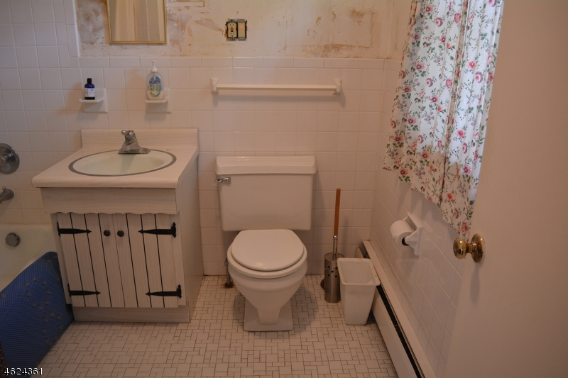 Additional photo for property listing at 14 Chestnut Road  Chatham, New Jersey 07928 États-Unis