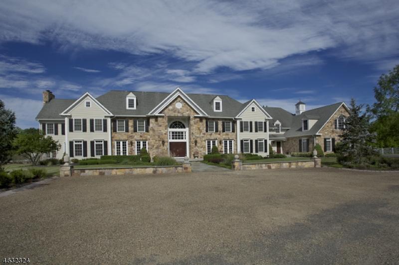 Частный односемейный дом для того Продажа на 875 LARGER CROSS Road Far Hills, 07931 Соединенные Штаты