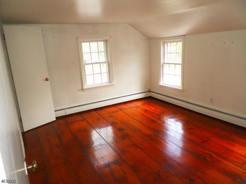 Additional photo for property listing at 170 Still Valley Road  Phillipsburg, New Jersey 08865 United States