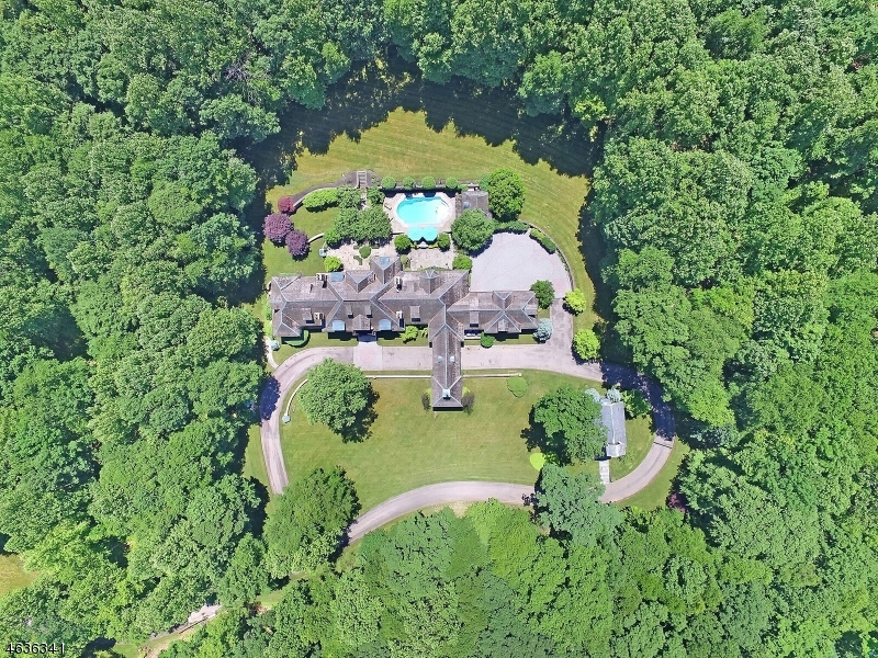 Single Family Home for Sale at 8 Chapel Lane Mendham, 07945 United States