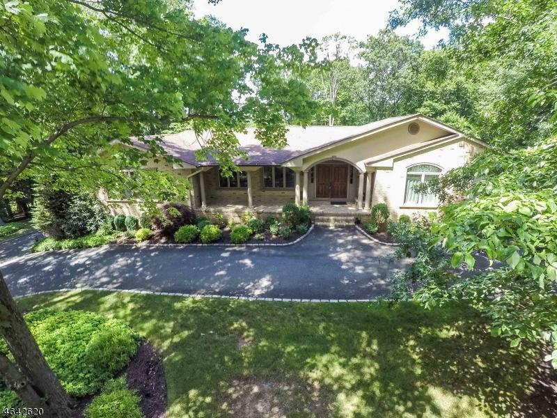 独户住宅 为 销售 在 3 Bahama Road 莫里斯平原, 07950 美国