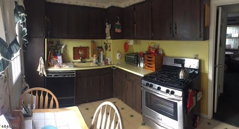 Additional photo for property listing at 5 Knollwood Ter  Clifton, Нью-Джерси 07012 Соединенные Штаты
