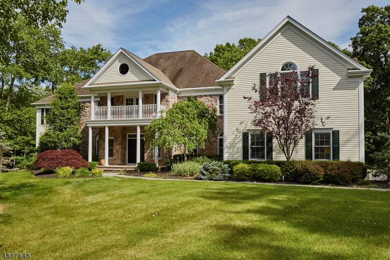 Single Family Home for Sale at 61 Butternut Lane Basking Ridge, New Jersey 07920 United States