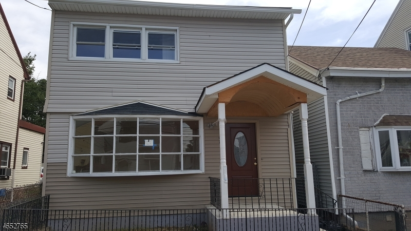 Additional photo for property listing at 92 Sheridan Avenue  Paterson, New Jersey 07502 États-Unis