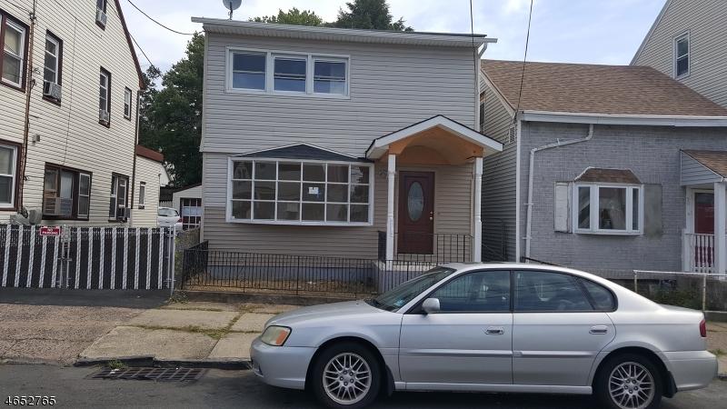 Maison unifamiliale pour l Vente à 92 Sheridan Avenue Paterson, New Jersey 07502 États-Unis