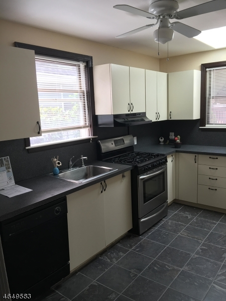 Additional photo for property listing at 764 Broad Street  Bloomfield, Нью-Джерси 07003 Соединенные Штаты