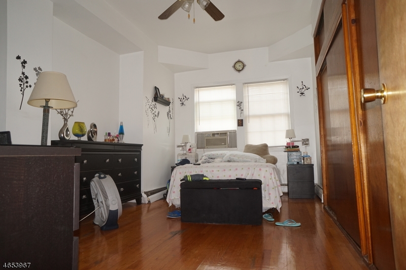 Additional photo for property listing at 232 Rankin Street  Elizabeth, New Jersey 07206 United States