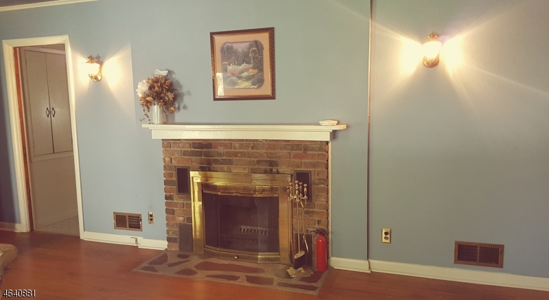 Additional photo for property listing at 196 North Avenue  Fanwood, New Jersey 07023 United States