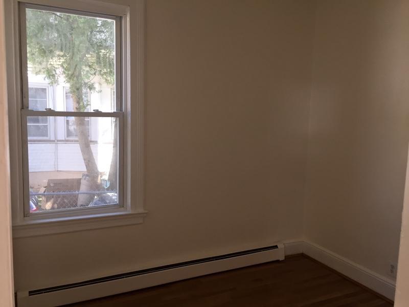 Additional photo for property listing at 311 N 7th Street  Haledon, Нью-Джерси 07508 Соединенные Штаты