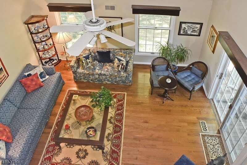 Additional photo for property listing at 19 Cable Court  Montville, New Jersey 07045 États-Unis