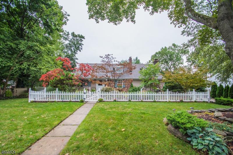 独户住宅 为 销售 在 47 2nd Street 帕克里奇, 新泽西州 07656 美国
