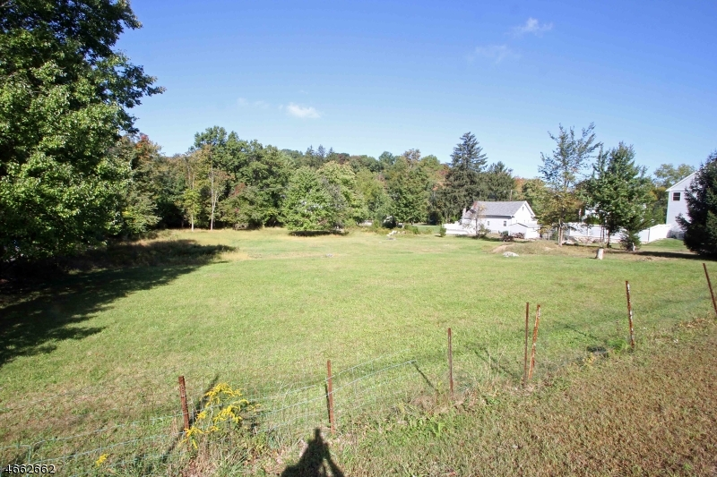 Additional photo for property listing at 60 Boonton Avenue  Boonton, New Jersey 07005 États-Unis