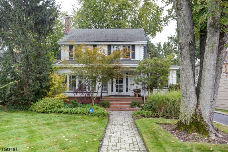 Single Family Home for Sale at 14 Parkview Drive Millburn, 07041 United States