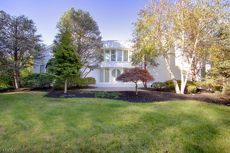 Additional photo for property listing at 30 Maywood Court  Caldwell, New Jersey 07006 États-Unis