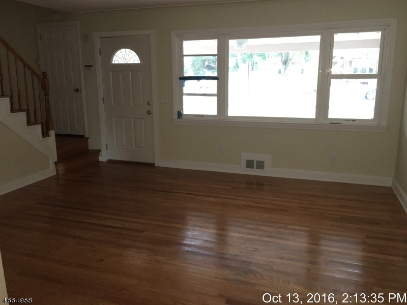 Additional photo for property listing at 36 E Roselle Avenue  Roselle Park, New Jersey 07204 États-Unis