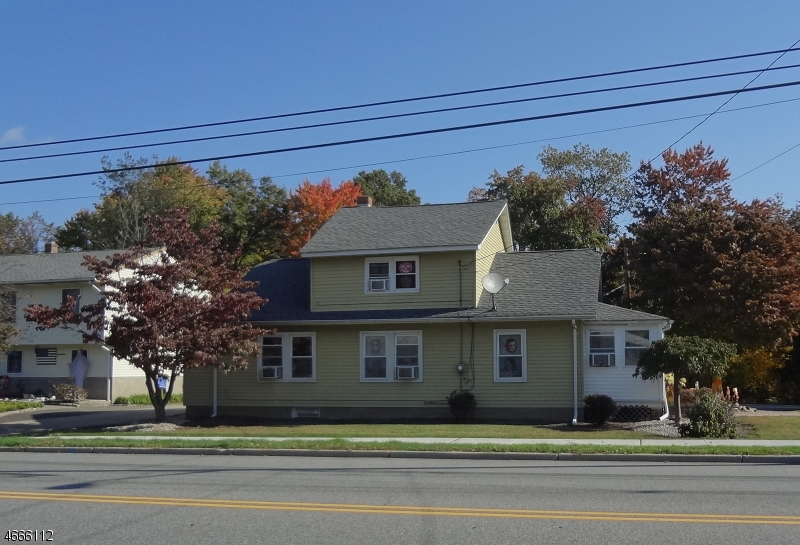 Single Family Home for Sale at 2 Boulevard Pequannock, 07440 United States
