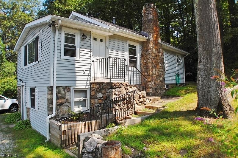 Maison unifamiliale pour l à louer à 94 Wildwood Road Oak Ridge, New Jersey 07438 États-Unis