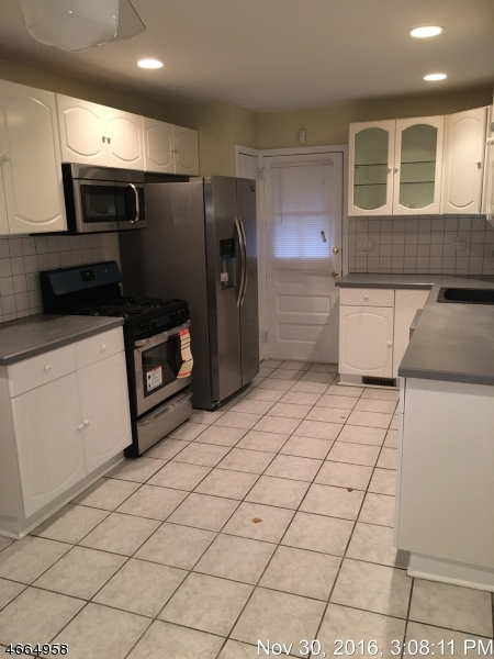 Additional photo for property listing at 36 E Roselle Avenue  Roselle Park, Нью-Джерси 07204 Соединенные Штаты