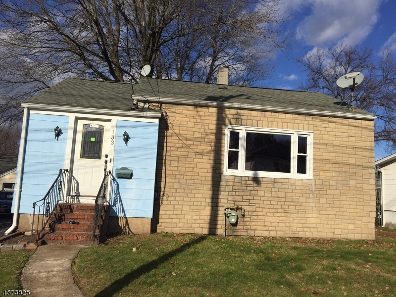 Single Family Home for Sale at 133 Levitt Avenue Bergenfield, New Jersey 07621 United States
