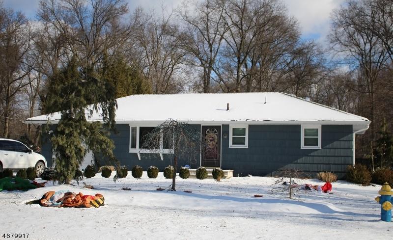 Частный односемейный дом для того Аренда на 30 New Street Pequannock, Нью-Джерси 07440 Соединенные Штаты
