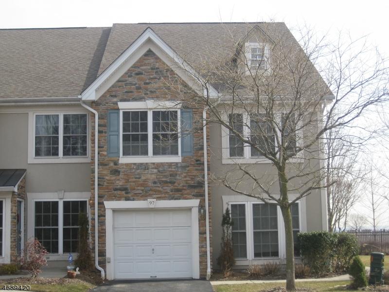 独户住宅 为 销售 在 97 Magnolia Way Haledon, 新泽西州 07508 美国