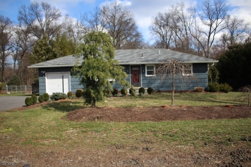 独户住宅 为 出租 在 30 New Street Pequannock, 新泽西州 07440 美国