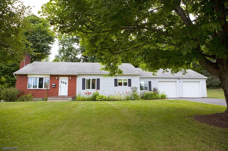 Частный односемейный дом для того Продажа на 11 Roy Court Sussex, 07461 Соединенные Штаты
