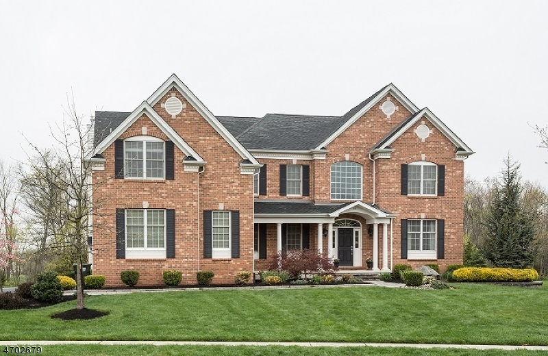 独户住宅 为 销售 在 33 Boehm Way 希尔斯堡, 08844 美国