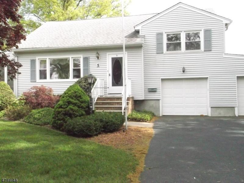 Частный односемейный дом для того Аренда на 5 Cooper Road Pequannock, Нью-Джерси 07444 Соединенные Штаты