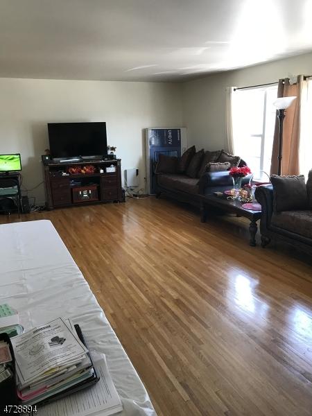 独户住宅 为 出租 在 128 Baltimore Avenue Hillside, 新泽西州 07205 美国