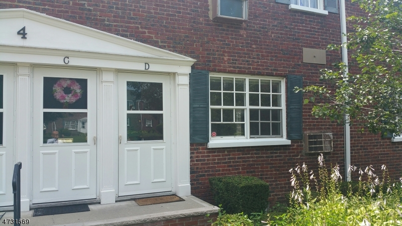 Single Family Home for Rent at 4D 4D Colfax Mnr Roselle Park, New Jersey 07204 United States