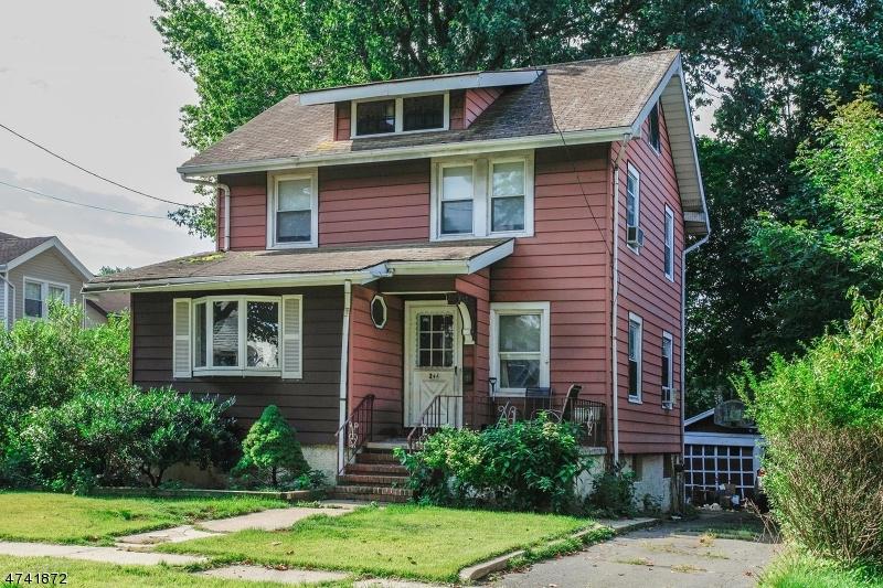 Maison unifamiliale pour l Vente à 244 Walnut Avenue 244 Walnut Avenue Bogota, New Jersey 07603 États-Unis