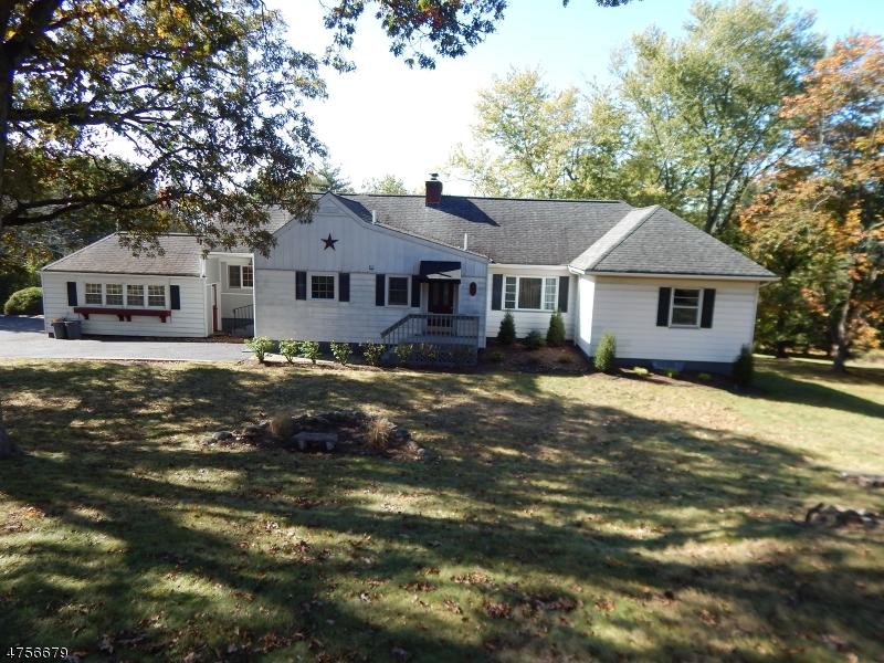 Enfamiljshus för Hyra vid 1127 Alps Road Wayne, New Jersey 07470 Usa