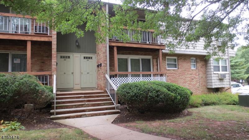 Частный односемейный дом для того Аренда на 28 Deanna Dr, APT 63 Hillsborough, Нью-Джерси 08844 Соединенные Штаты