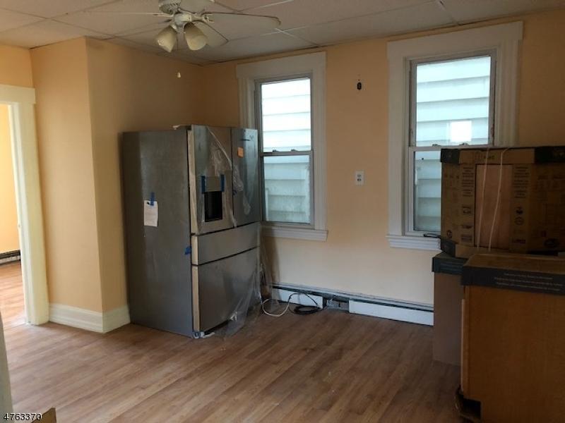 Casa Multifamiliar por un Venta en 94 Locust Avenue Wallington, Nueva Jersey 07057 Estados Unidos