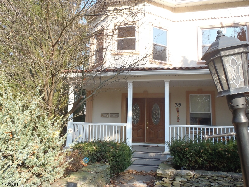 Частный односемейный дом для того Аренда на 25 Washington Place Morristown, Нью-Джерси 07960 Соединенные Штаты