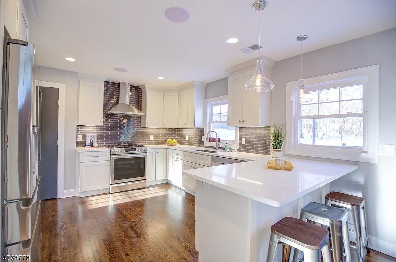 Частный односемейный дом для того Продажа на 155 Cedar Lane Maplewood, Нью-Джерси 07040 Соединенные Штаты