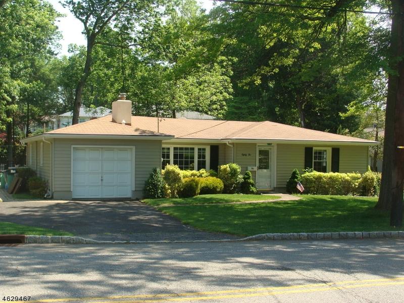 Частный односемейный дом для того Аренда на 82 Brittin Street Madison, Нью-Джерси 07940 Соединенные Штаты