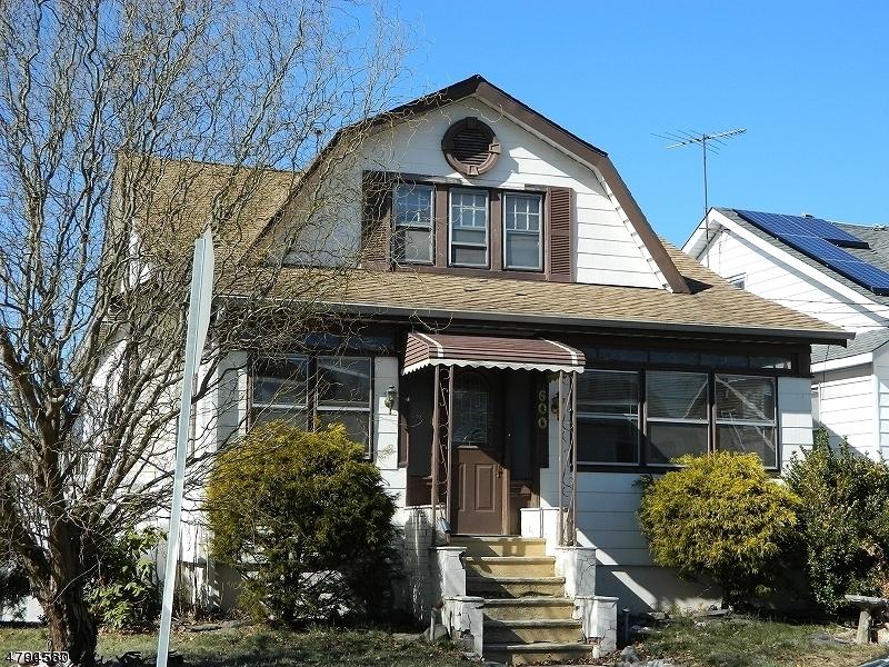 独户住宅 为 销售 在 600 Twain Place Union, 新泽西州 07083 美国