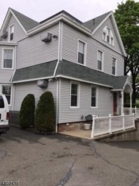 Single Family Home for Rent at 31 Notch Road Little Falls, New Jersey 07424 United States