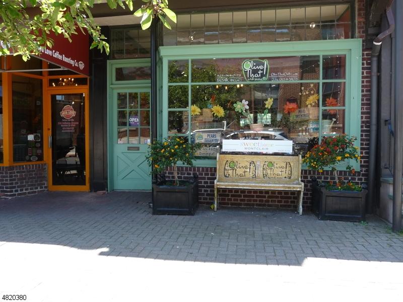 Commercial pour l à louer à 246 BELLEVUE Avenue Montclair, New Jersey 07043 États-Unis