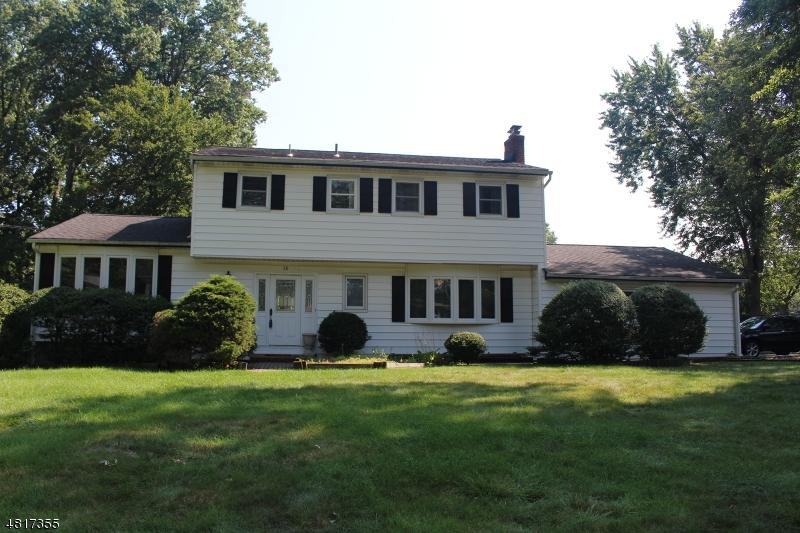 Casa Unifamiliar por un Alquiler en 36 EASTBROOK Road Parsippany, Nueva Jersey 07054 Estados Unidos