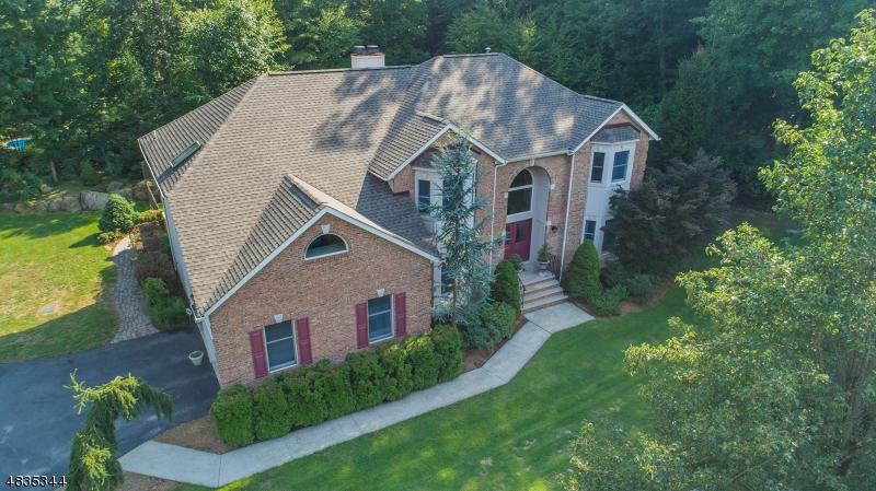 Частный односемейный дом для того Продажа на 66 FINCH Road Ringwood, Нью-Джерси 07456 Соединенные Штаты