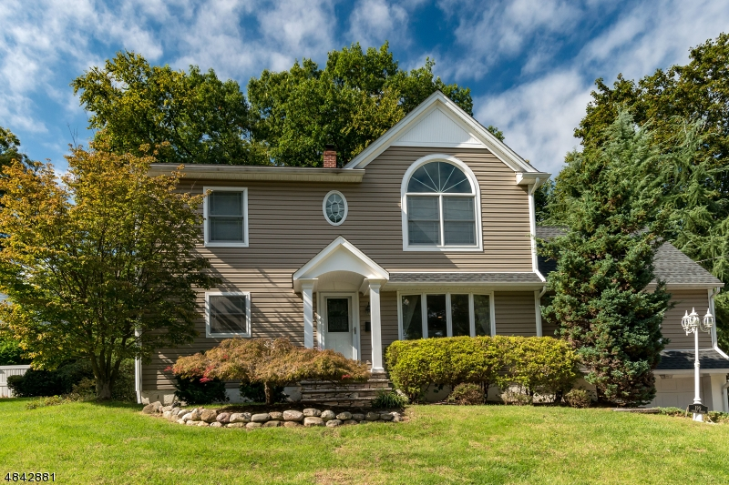 Single Family Home for Sale at 199 SPRUCE Street Midland Park, New Jersey 07432 United States