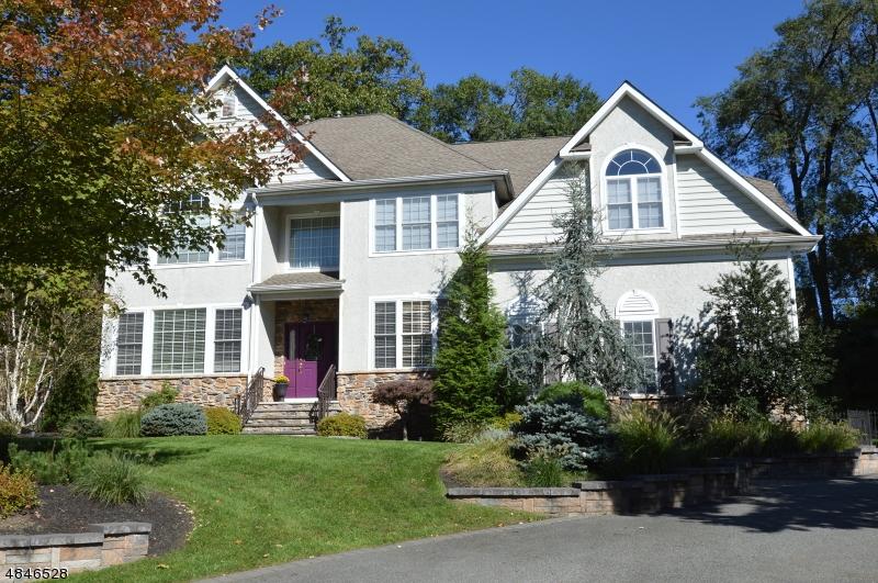 Casa Unifamiliar por un Venta en 53 SUNNYHILL Road Rockaway, Nueva Jersey 07866 Estados Unidos