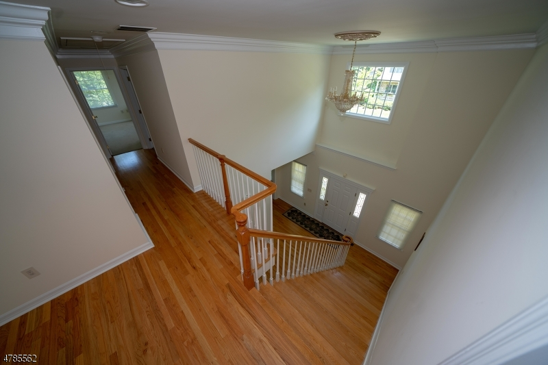 Single Family Home for Sale at 4 COOMBS LN 4 COOMBS LN Midland Park, New Jersey 07432 United States
