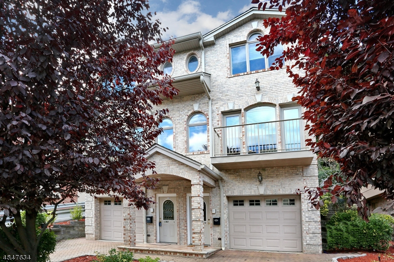 Villas / Townhouses for Sale at Address Not Available Edgewater, New Jersey 07020 United States
