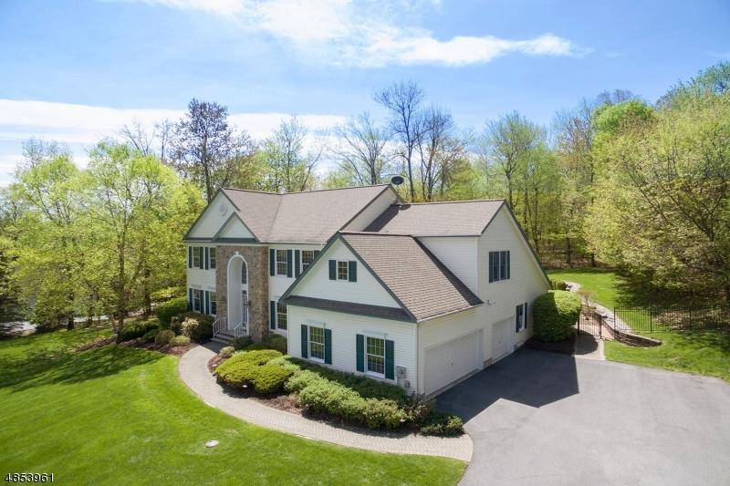 独户住宅 为 销售 在 3 OAKHILL Drive 弗农, 新泽西州 07461 美国