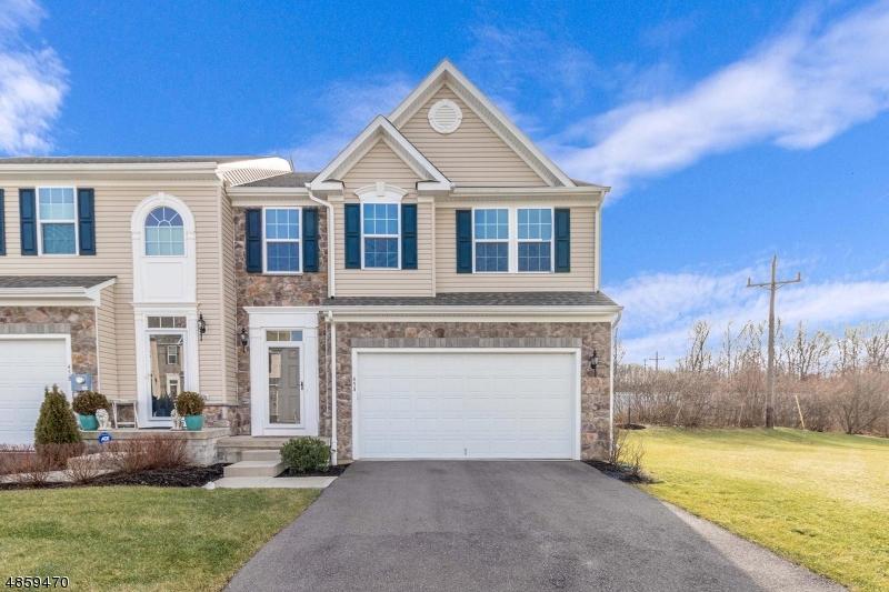 Condo / Radhus för Försäljning vid 45 WASHINGTON SQ Washington, New Jersey 07882 Förenta staterna